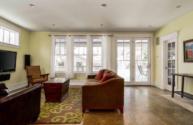 810 S Willson second livingroom