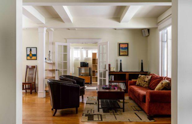 810 S Willson livingroom