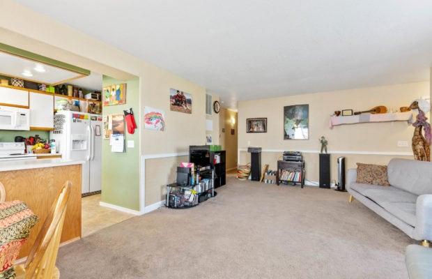 3012 W Villard, main living area