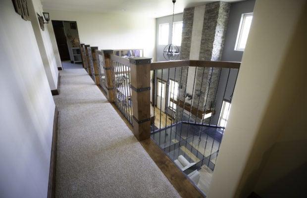 200 Forest Creek,2nd floor hallway/balcony