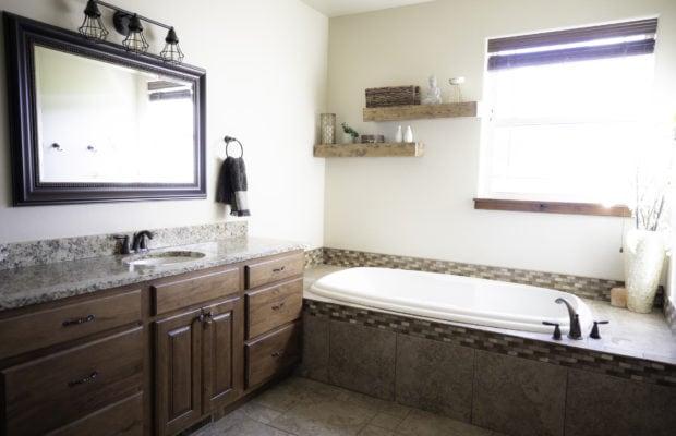 200 Forest Creek, ensuite bathroom