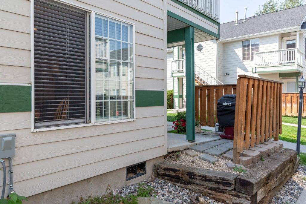 3012 W Villard, showing exterior patio