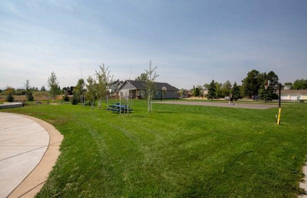 3012 W Villard, nearby park