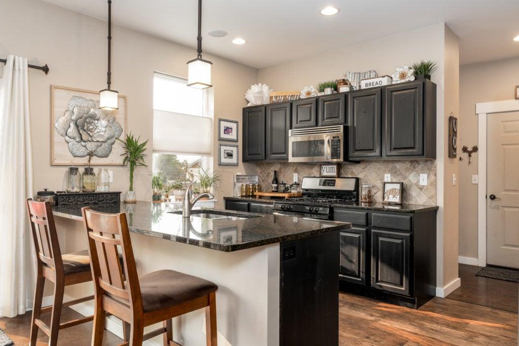 2397 Lasso Avenue kitchen