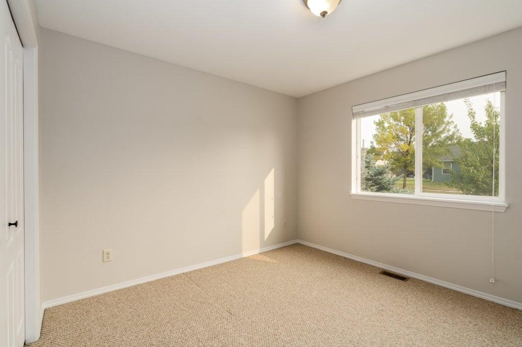 533 Green Tree hall bedroom 2