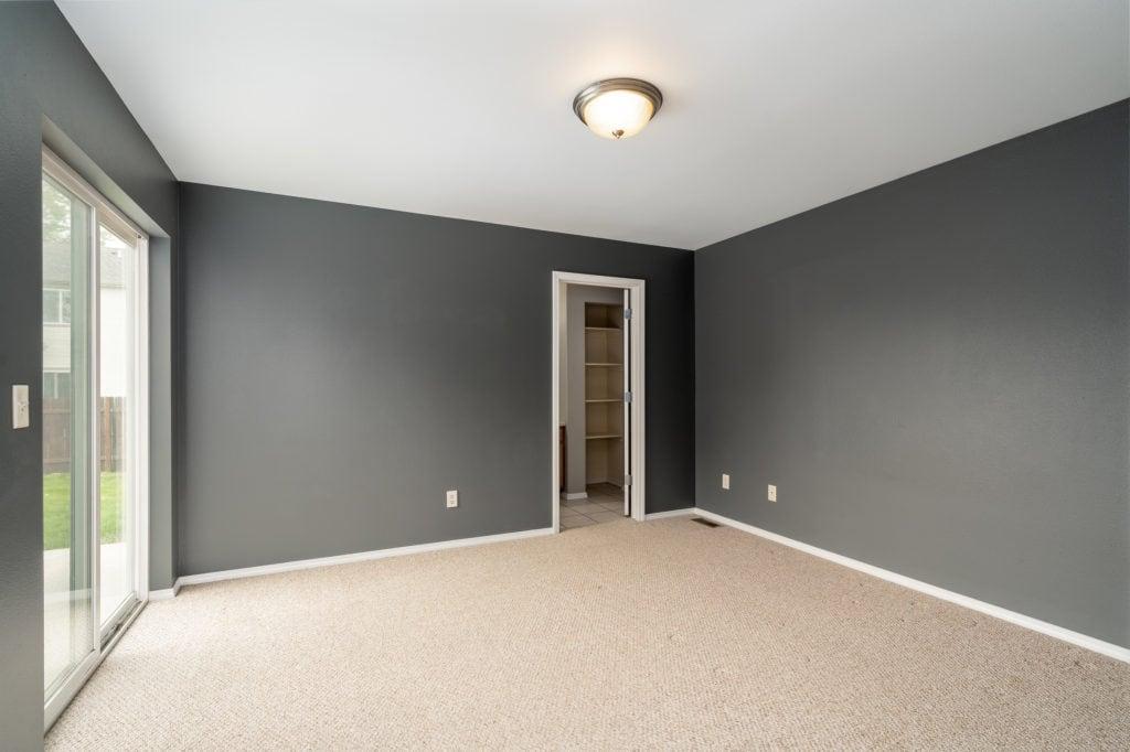 533 Green Tree master bedroom