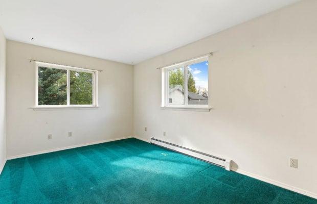 111 S Yellowstone Avenue bedroom 1