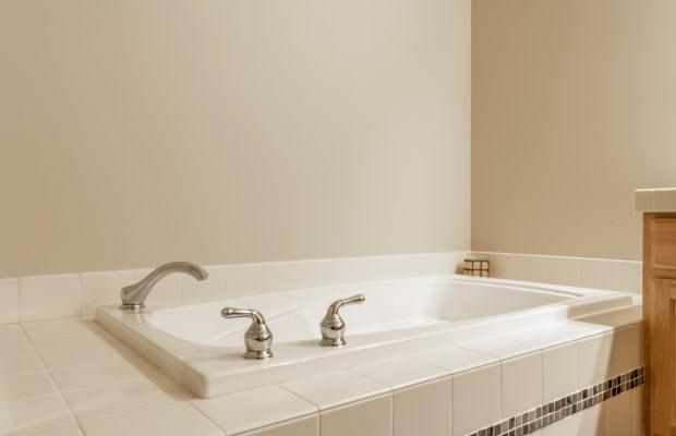 3300 E Graf Unit 2 tub in master bathroom