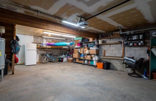 12 E Garfield, Unit D3, heated garage