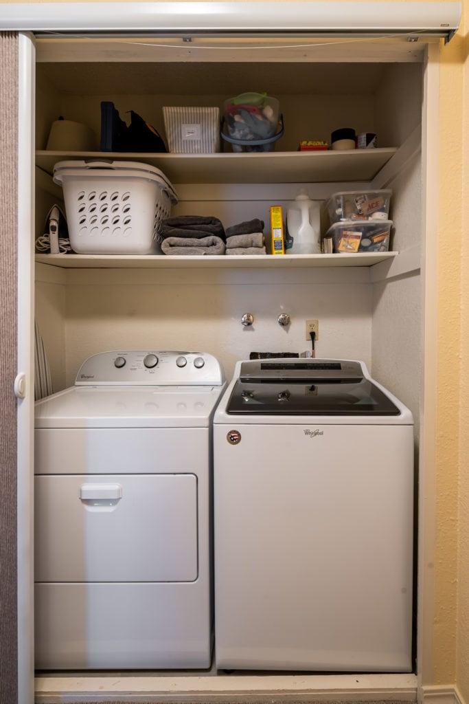 12 E Garfield, Unit D3, laundry area