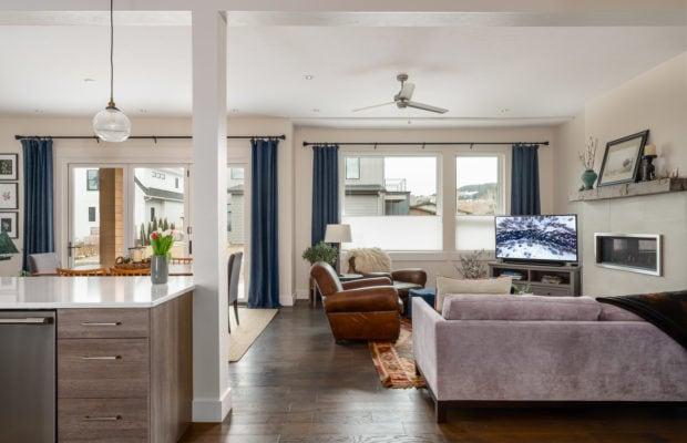2440 Atsina Lane main living area from entry hallway