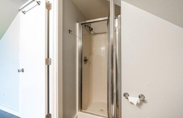 1650 Bandollero bathroom off of bonus room