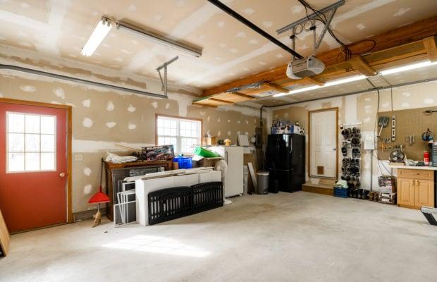 1650 Bandollero garage
