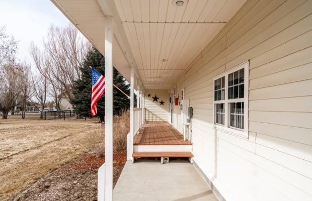 1650 Bandollero covered front porch