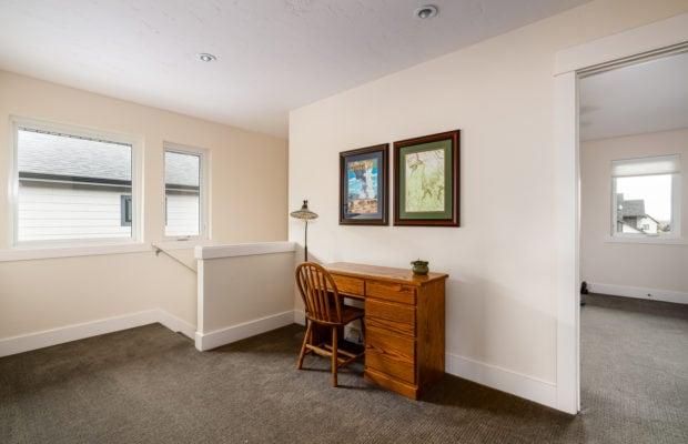 2440 Atsina Lane office area in 2nd floor foyer