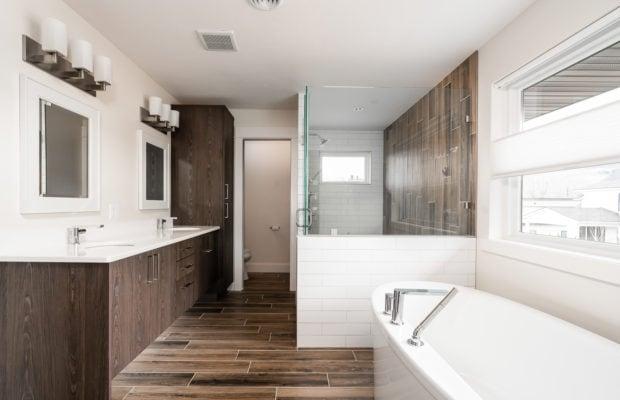 2440 Atsina Lane master bathroom