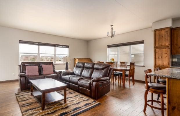 4275 Palisade Drive main living area