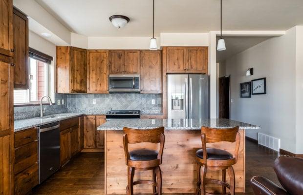4275 Palisade Drive kitchen
