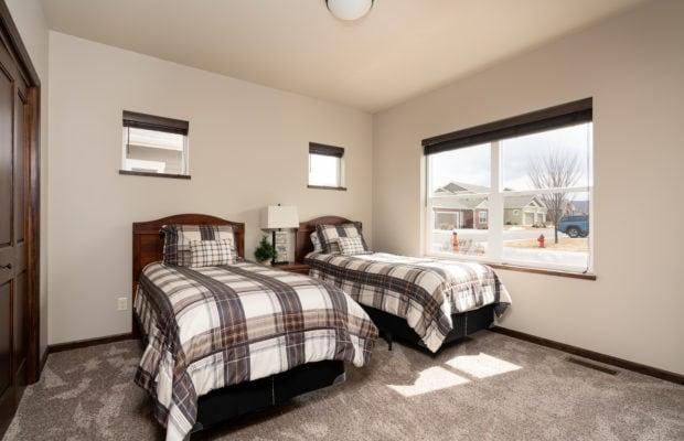 4275 Palisade Drive bedroom 1