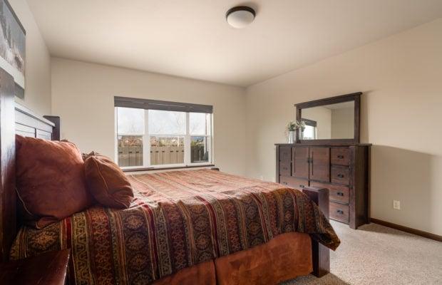 4275 Palisade Drive master bedroom suite