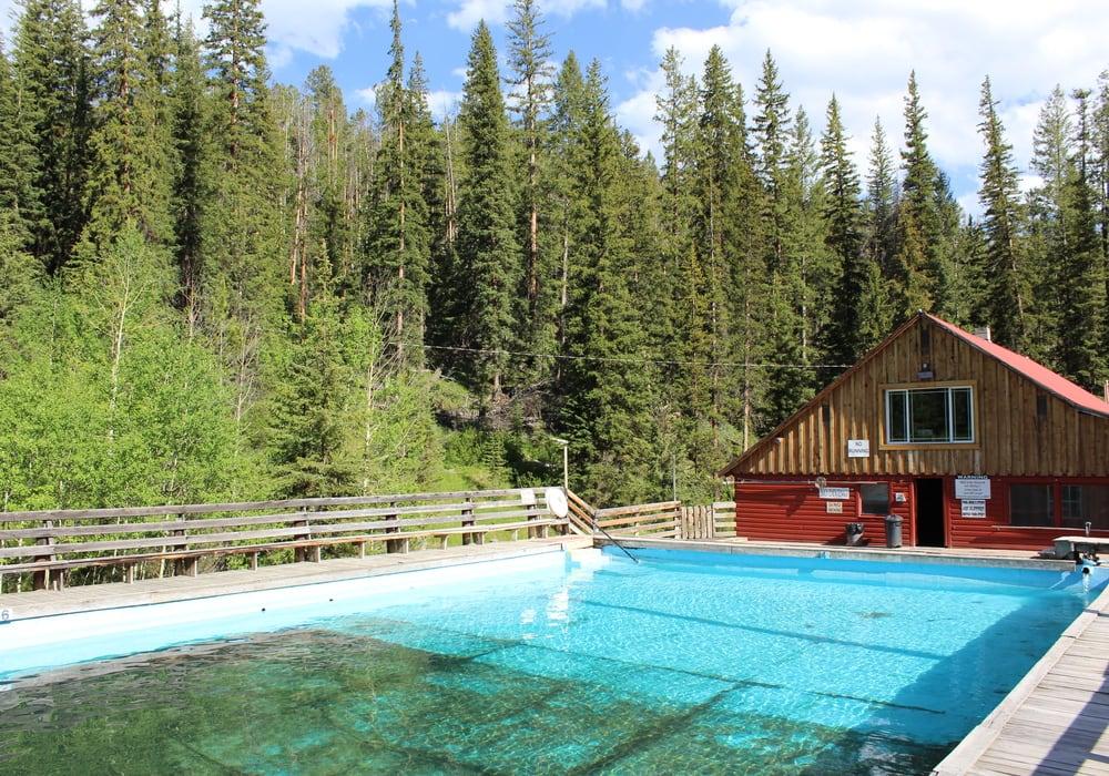 outdoor pool at elkhorn hot springs
