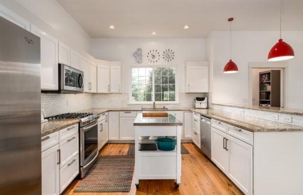 4243 W Babcock #4 kitchen