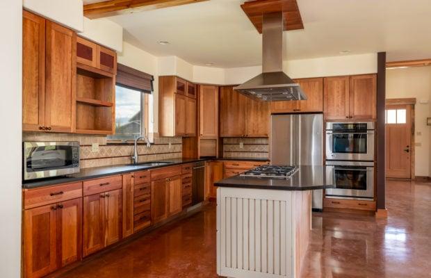 3618 Bungalow Lane kitchen