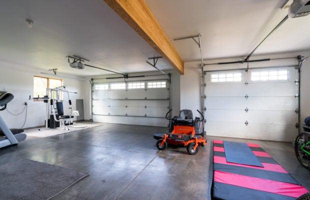 3618 Bungalow Lane garage