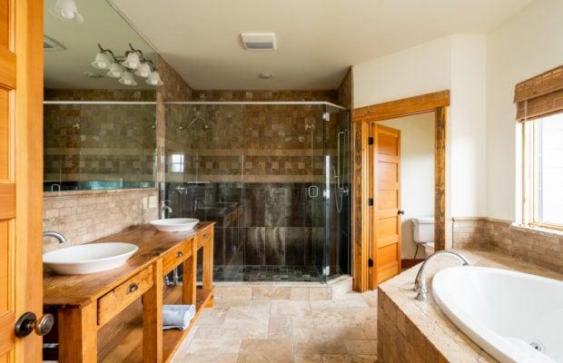 3618 Bungalow Lane master bathroom