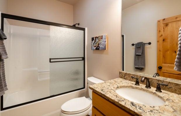 3542 Lolo Way, bathroom