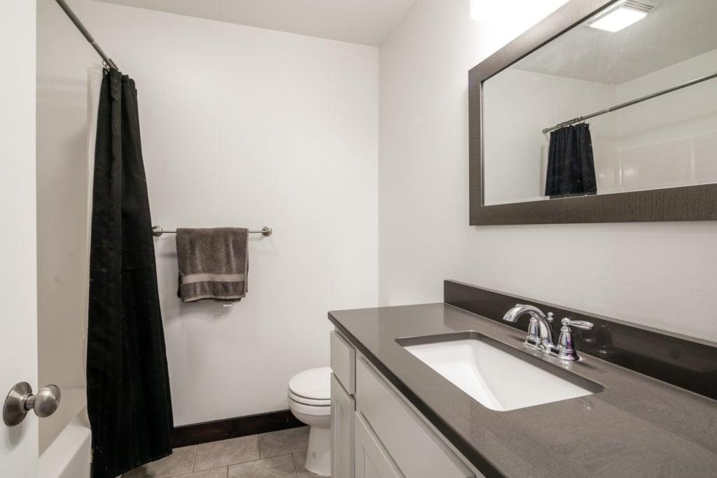 978 Rosa Way, hall bath on 2nd floor