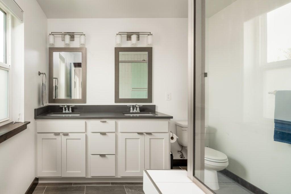 978 Rosa Way, master bathroom