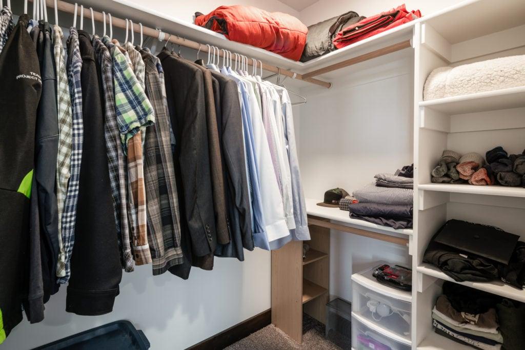978 Rosa Way, walk in closet in master bedroom
