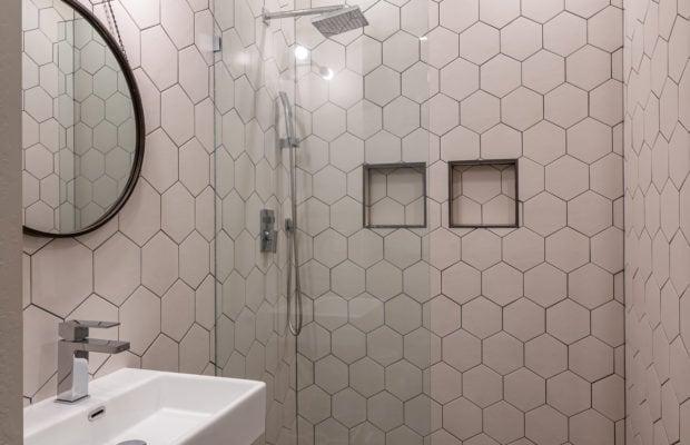4660 Shadowglen, 3/4 hall bath